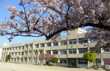 宇治市立西大久保小学校の画像1