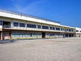 八王子市立みなみの君田小学校の画像1