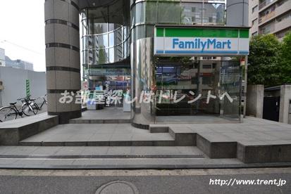 ファミリーマート 厚生年金会館前店の画像1