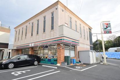 セブンイレブン横浜戸塚町日之出橋店の画像1