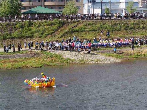 鹿島流し 会場 丸子川河川敷の画像