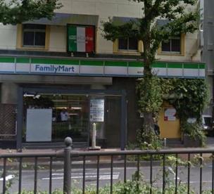 ファミリーマート横浜元浜町店の画像1
