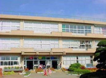 牛久市立岡田小学校の画像1