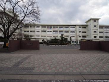 伊勢崎市立第一中学校の画像1