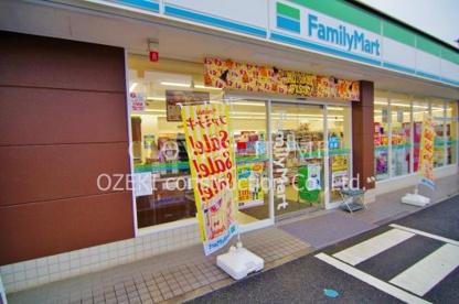 ファミリーマート北越谷四丁目店の画像1