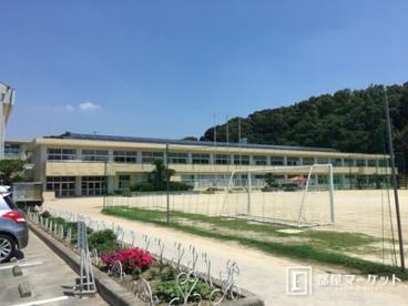 岡崎市立岩津小学校の画像1