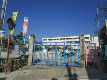 箕面市立箕面小学校の画像1