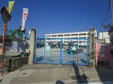 箕面市立箕面小学校の画像2
