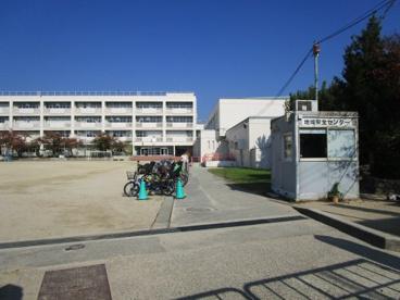 箕面市立箕面小学校の画像3