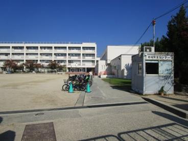 箕面市立箕面小学校の画像4