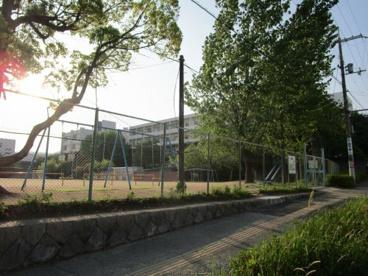 箕面市立萱野東小学校の画像5