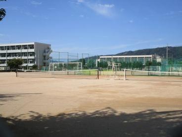 箕面市立第三中学校の画像2