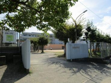 箕面市立第三中学校の画像4