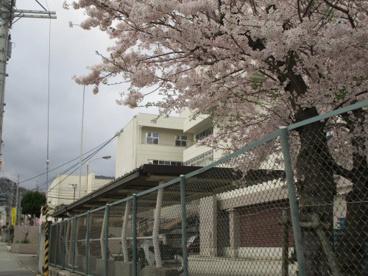 箕面市立第二中学校の画像3