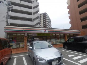 セブンイレブン 福岡大橋2丁目店の画像1