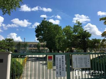 岡崎市立六名小学校の画像1