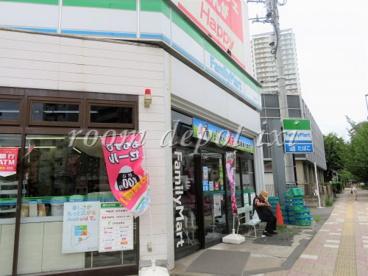 ファミリーマート 西巣鴨店の画像1