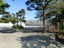 中野区立緑野小学校