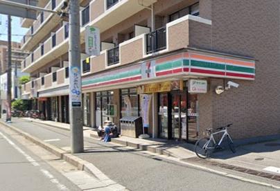 セブン-イレブン船橋塚田駅前店の画像1