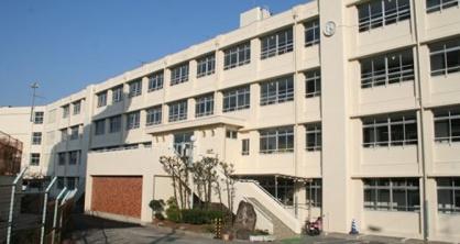 羽曳野市立高鷲南中学校の画像1