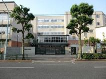新宿区西早稲田中学校