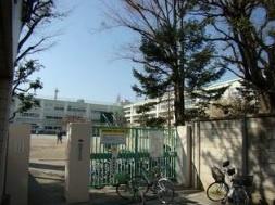 杉並区立桃井第二小学校の画像1