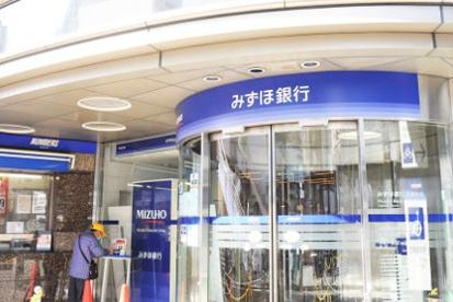 みずほ銀行三鷹支店の画像1