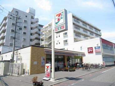 セブン-イレブン足立綾瀬2丁目店の画像1