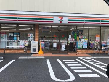 セブン-イレブン足立舎人5丁目尾久橋通り店の画像1