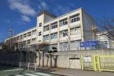 小束山小学校。