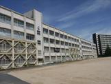 神戸市立神陵台中学校。