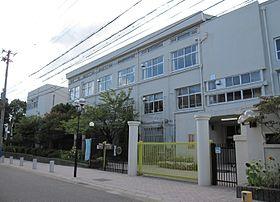 神戸市立湊川中学校の画像