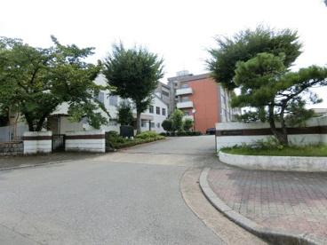 霞ヶ関西中学校の画像1