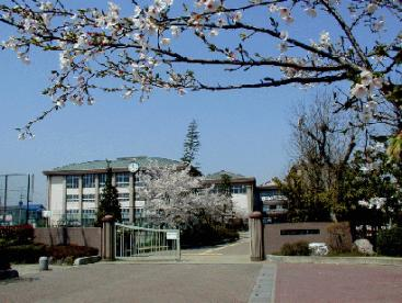 越谷市立西中学校の画像1