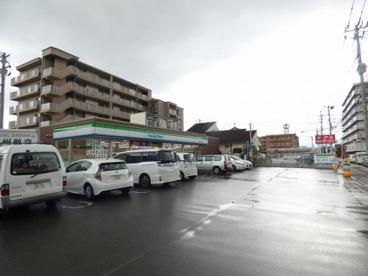 ファミリーマート 博多諸岡一丁目店の画像1