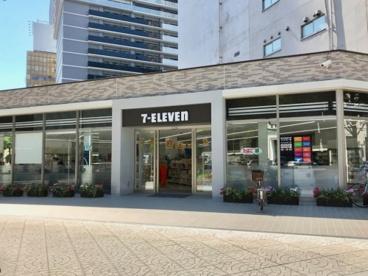 セブンイレブン 御堂筋本町店 の画像1