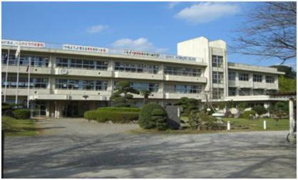 富来田中学校の画像1