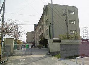 八尾市立亀井中学校の画像1