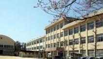高屋西小学校