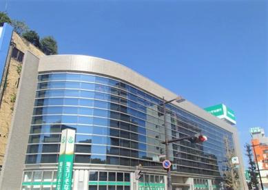 埼玉りそな銀行越谷支店の画像1