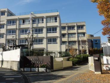 豊中市立第十三中学校の画像1