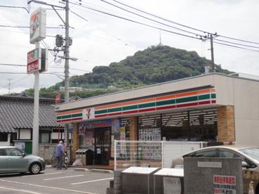 セブンイレブン 広島東本浦店の画像1