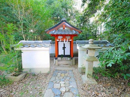 石瓶神(奈良豆比古神社)の画像
