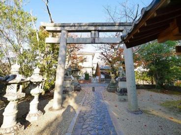 奈良豆比古神社 鳥居の画像1