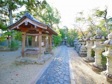 奈良豆比古神社 鳥居の画像3