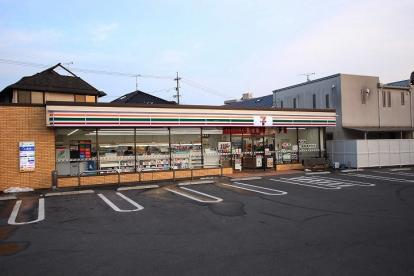 セブンイレブン 広島上安2丁目店の画像1