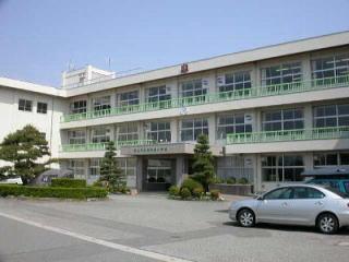 堀川南小学校の画像1