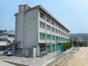 西宮市立塩瀬中学校の画像1