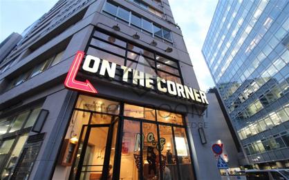 ON THE CORNER(オンザコーナー)の画像1