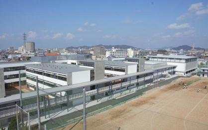 余土中学校(新)の画像1